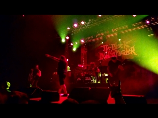 отрывок выступления The Black Dahlia Murder