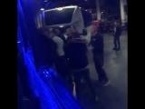 Хабиб Нурмагомедов Конору Макгрегору во время нападения на автобус: Г*ндон, я тебя вы**бу!