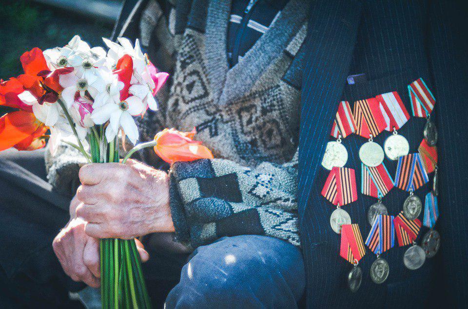 В Рязанском состоялось торжественное возложение венков к памятникам героям войны