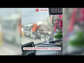 Один человек погиб и 12 пострадали в массовом ДТП на трассе под Ростовом-на-Дону(1)