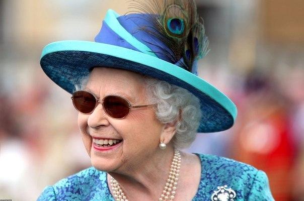 у дочерей меган маркл и принца гарри не будет титула после свадьбы принц гарри и меган маркл удостоились королевских титулов герцога и герцогини сассекских. однако их дочери могут быть лишены титулов в связи с законами. дело в том, что сассекское