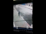 Стрелок в Кизляре. Видео с камер наблюдения.