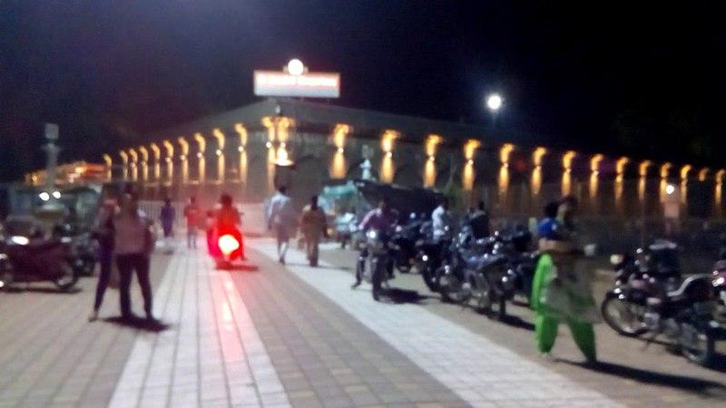 Путешествие по Индии с Марией Карпинской. Город Солапур. Большой храм Шивы и Шакти