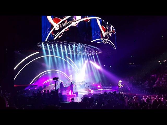 Queen Adam Lambert - Don't Stop Me Now - 22/02/18 Sydney