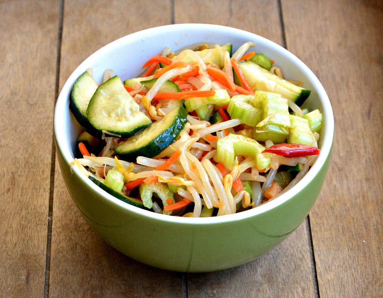 Легкий Салат Из Овощей Для Похудения. Какие диетические салаты из овощей помогут похудеть?