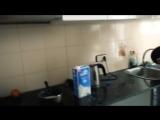 Кизара готовит кашу!