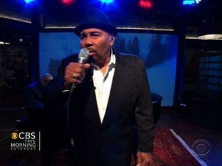 """Aaron Neville performs """"The Christmas Song"""" on Saturday Sessions"""