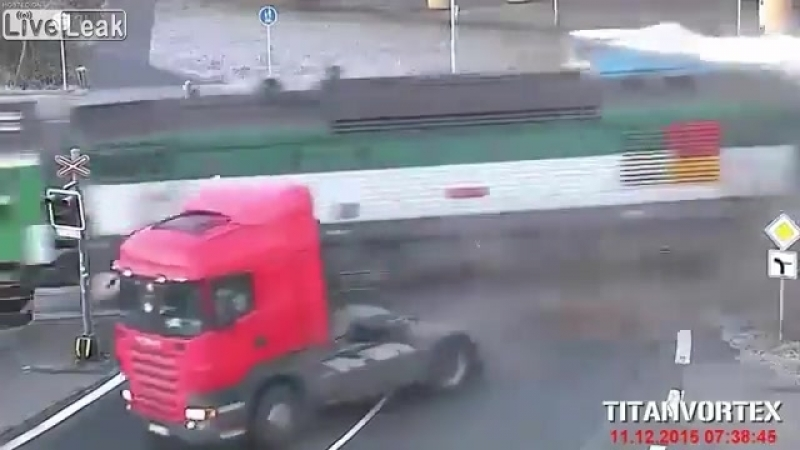 Liveleakcom Truck Hit by Train