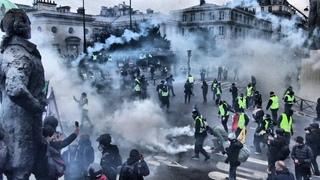 PARIS GILETS JAUNES LE COMBAT CONTINUE