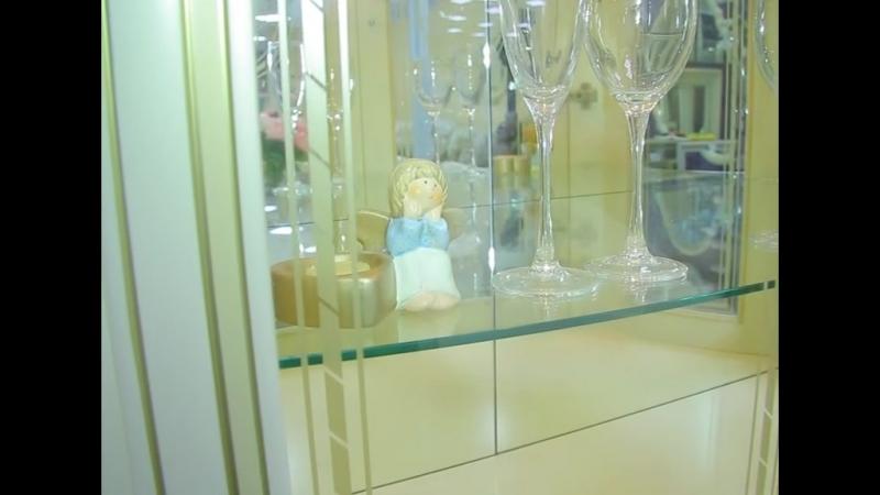 Фабрика ВерсальМебель из массива Спальни гостиные диваны обеденные группы банкетки цветочницыМебель для квартир и коттед