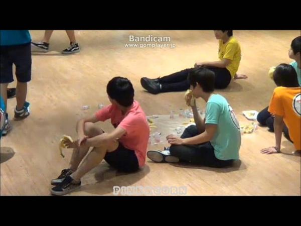 130723 SEVENTEEN TV Jisoo Junghan eat Bananas JIHAN