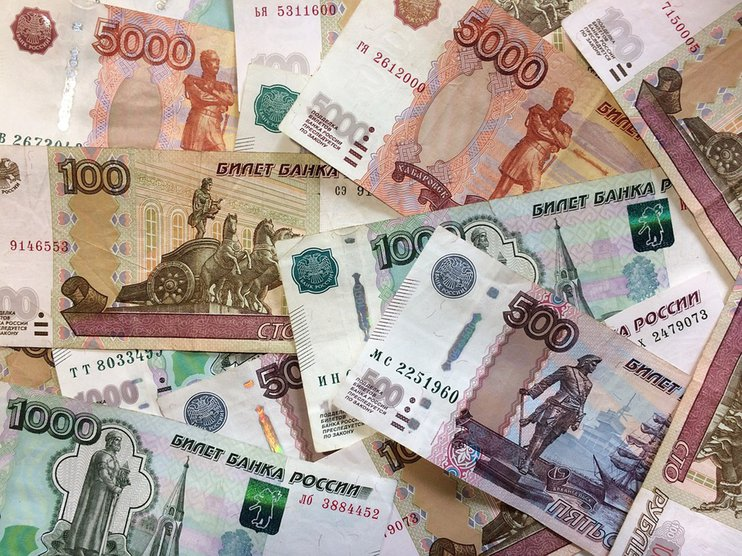 В Кузбассе студент и сотрудница ВУЗа похитили более 3 млн рублей