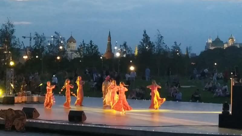 Зарядье. Москва. Юлия Фэм. август 2019 г. Гала-концерт. Индия