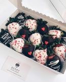Клубника в бельгийском шоколаде для самых дорогих ♥ Очень крупная, сочная, ароматная и такая вкусная