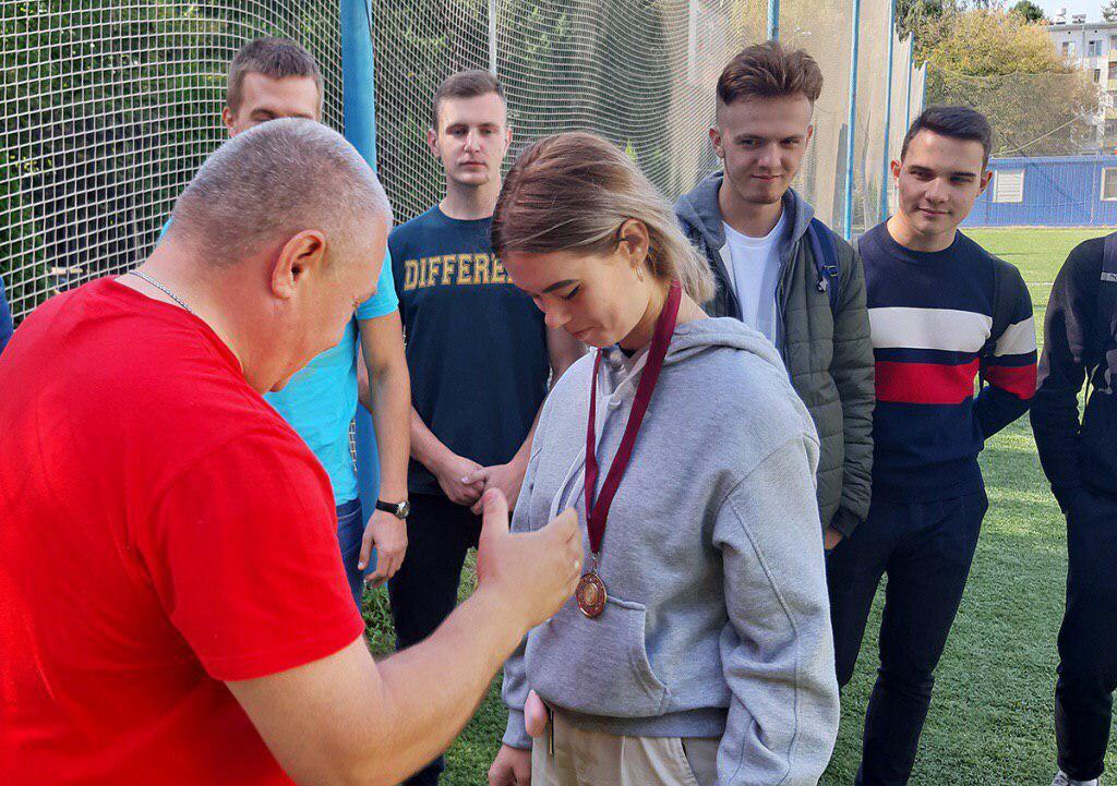 Соревнования по гиревому спорту провели в Кузьминках