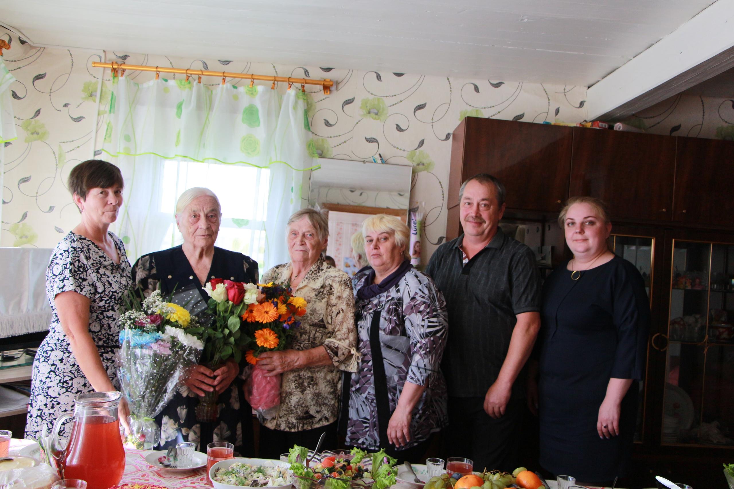 Ветеран труда принимал поздравления в день своего 90-летия
