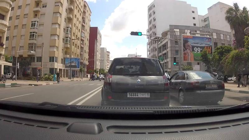 Conduite en ville au Maroc: travers e de Kenitra