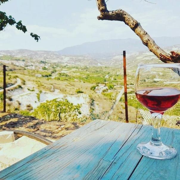 Горящие туры на Кипр на неделю в отель 4* с завтраками и ужинами за 24100 с человека