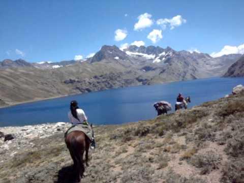 Laguna negra cajon del maipo CHILE