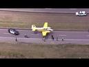 Легкомоторный самолёт приземлился на автостраду