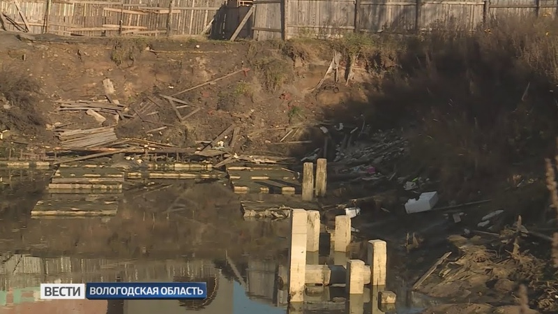 Огромный котлован на улице Ленинградской в Вологде стал проблемой для местных жителей