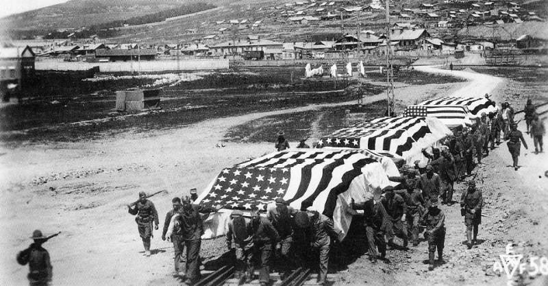 Захоронение 17–ти погибших американских солдат, Владивосток, 1918 год.