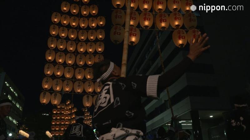 Akita Kantō Matsuri: Lighting the Summer Night with Myriad Lanterns on Towering Poles | Nippon.com