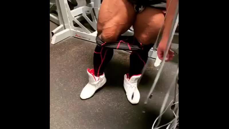 Shawn Rhoden legs