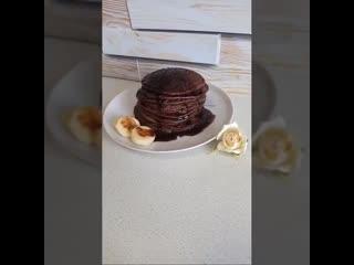 Бананово-шоколадные панкейки
