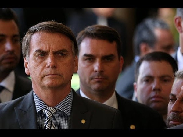 Bolsonaro abandonará Filho Globo ataca mas esconde destruição da economia e entrega do Brasil
