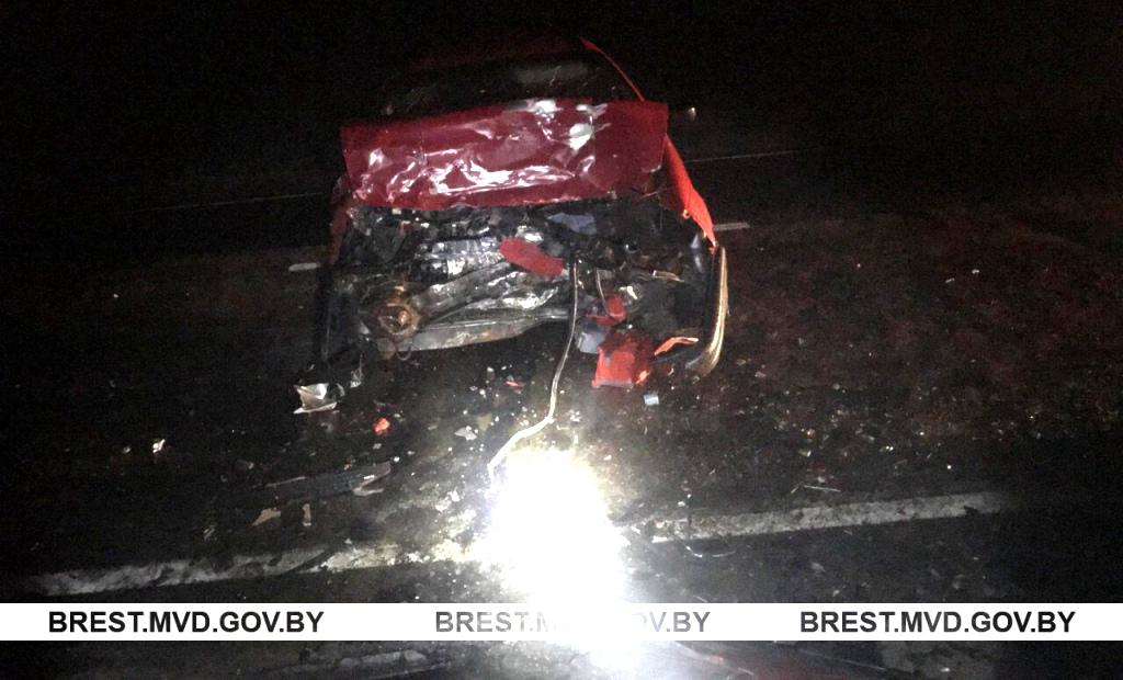 Брестский район: в результате «лобового» столкновения травмированы водители