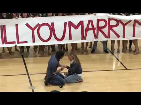Just When Flash Mob Proposals Couldn't Get Any Cuter Here's the One That Topped The Charts