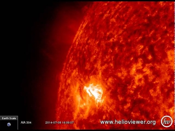M6.5 class solar flare - Strong eruption on sunspot 2113 (July 8th, 2014) - Video Vax