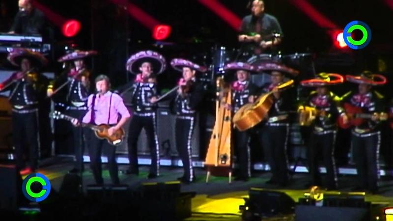Paul McCartney canta con mariachi Obladí Oblada en el Zócalo