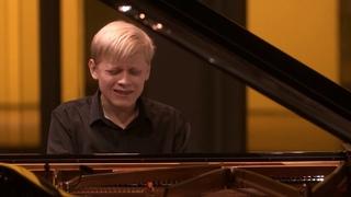 Alexander Malofeev plays  Sonata n° 2 OP 36