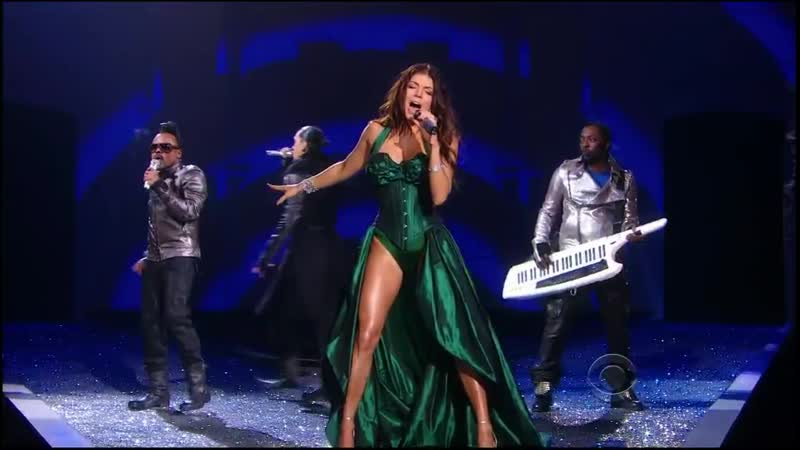 Black Eyed Peas Meet Me Halfway Live at Victoria's Secret Fashion Show 2009