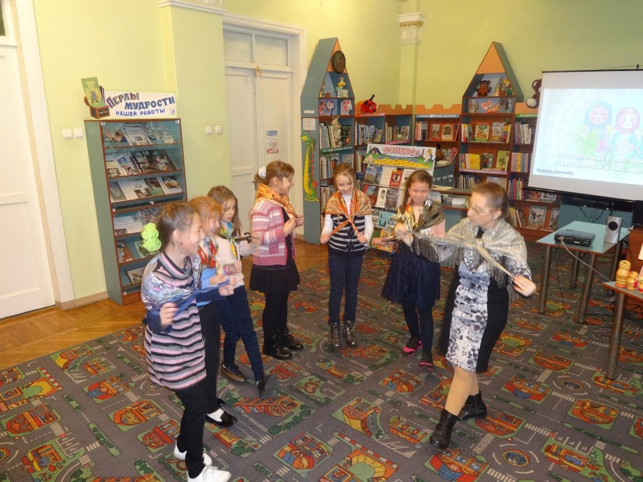 донецкая республиканская библиотека для детей, отдел обслуживания дошкольников и учащихся 1-4 классов,  с библиотекой интересно