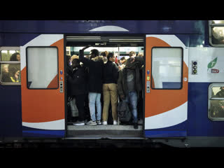 Из-за протестов во Франции парализована работа всех видов транспорта