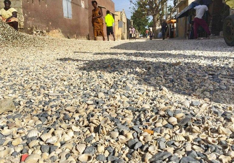 Интересные места нашей планеты Остров из ракушек Жоаль-Фадиут (Африка), изображение №2