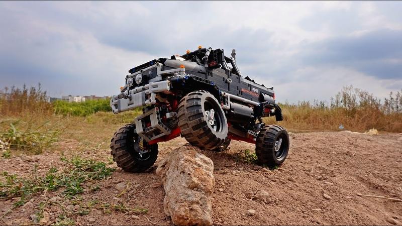 GMC C4500 Ironhide (Lego Technic Rock Crawler)