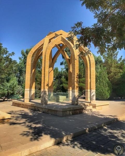 Кладбище Тахт Фулад (Исфахан, Иран)