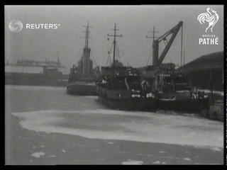 Ice floes on the River Thames (1946)