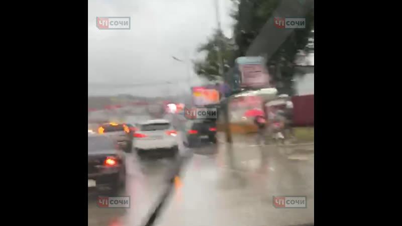 Безрассудный водитель устроил массовое ДТП на Донской