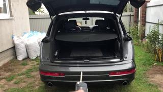 Закрытие багажника с ключа на Audi Q7