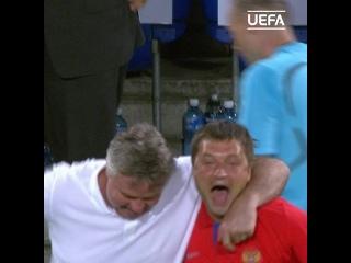 Радость Гуса Хиддинка после победы над Нидерландами на ЕВРО-2008