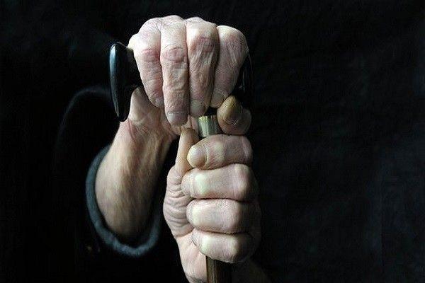 Внук москвича-ветерана напал на собственного деда из-за 3...