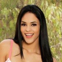 Jasmin Caro