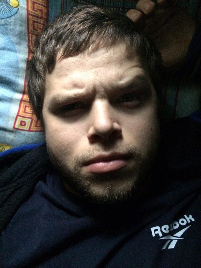 Роман, 27, Oktyabr'skiy