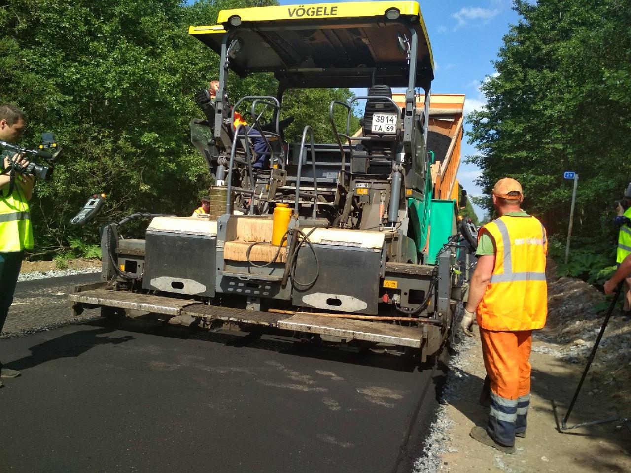 Ремонт дороги между Тверью и Кимрами проинспектировала дирекция дорожного фонда