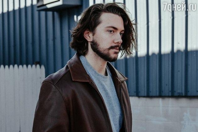 Длинные волосы у мужчин: сексуально или нет?, изображение №2